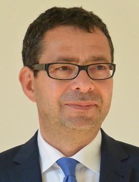 Univ.-Prof. Dipl.-Ing. Dr. Robert HOFMANN