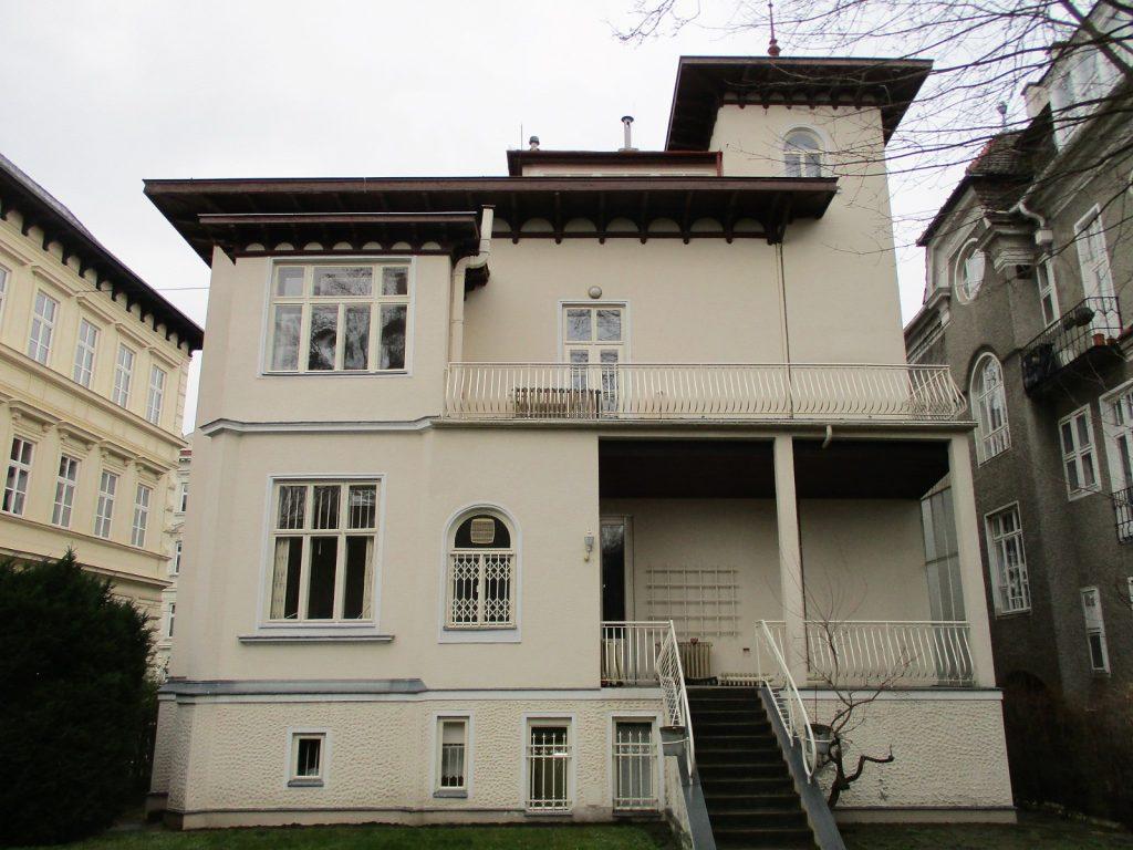 Gymnasiumstraße 81